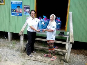 Donated Hamper in Sukau